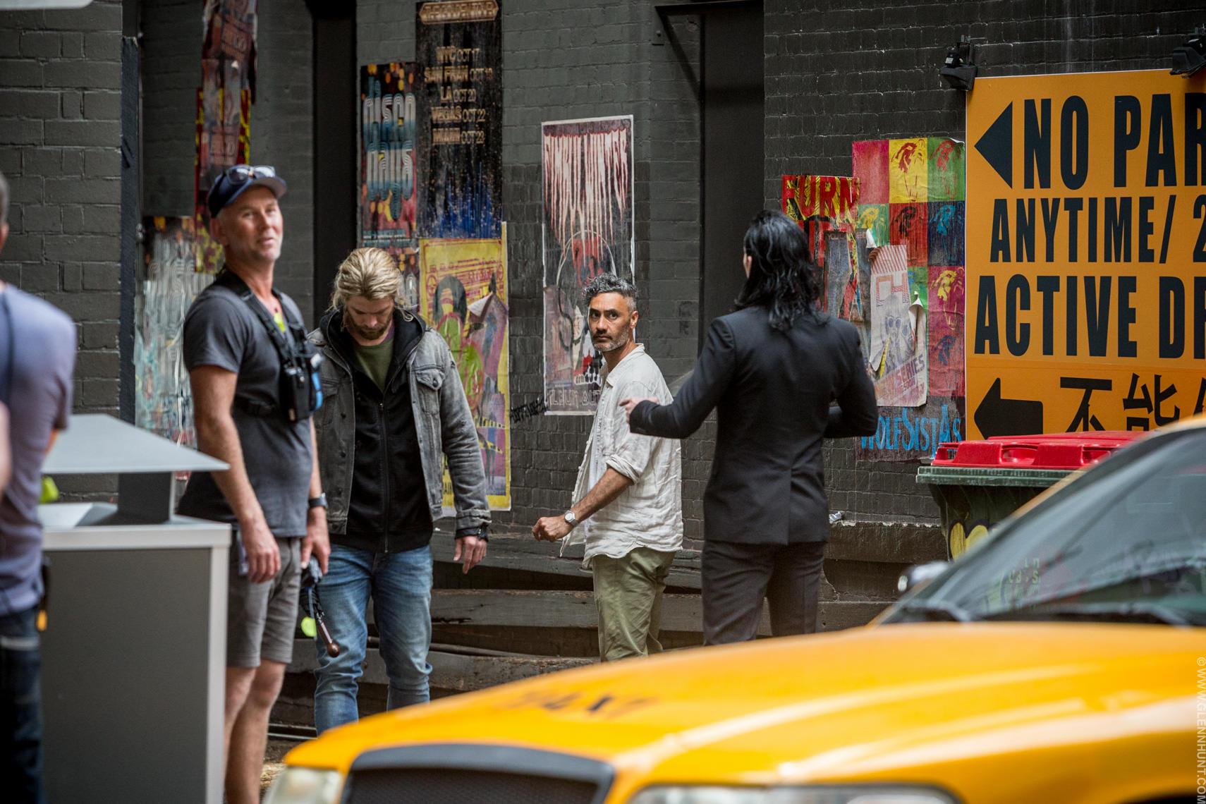 Taika Waititi Thor Chris Hemsworth Tom Hiddleston